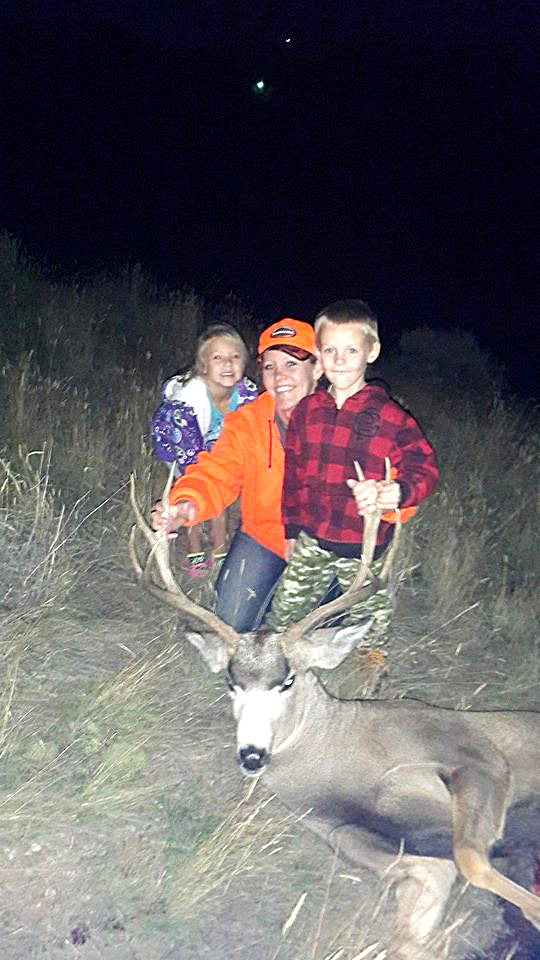 Chandace, Kadynce and Malykai Hampton got a buck! Submit your hunting photos to editor@CraigDailyPress.com.
